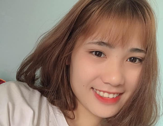 Hẳn nhiên so với các bạn nữ trong đội Thái Nguyên T&T nói riêng và các cầu thủ nữ Việt Nam nói chung, Thùy sở hữu chiều cao khá nổi trội.