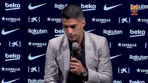Suarez khóc nghẹn trong họp báo chia tay Barca