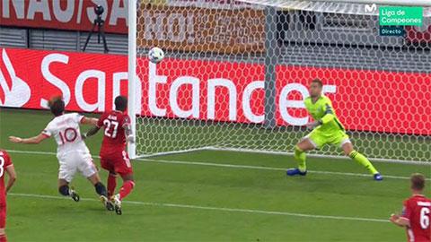 Bayern Munich bị phạt đền oan hay đúng người đúng tội?