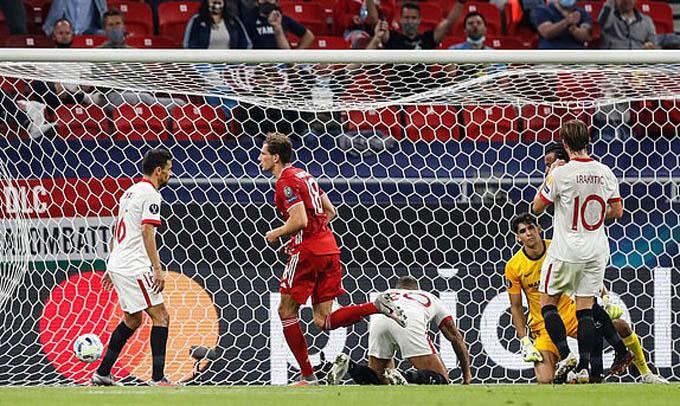 Goretzka gỡ hòa 1-1 cho Bayern