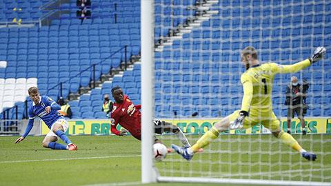 Khung thành M.U bị yểm bùa ở trận thắng Brighton?