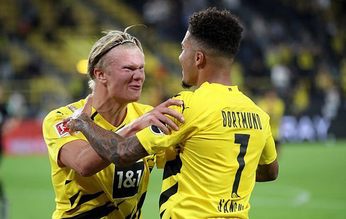 Cùng với Haaland và Sancho, bộ tứ sinh ra tại nước Anh là điểm tựa để Dortmund hy vọng đấu với Bayern