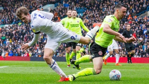Soi kèo Sheffield United vs Leeds, 18h00 ngày 27/9