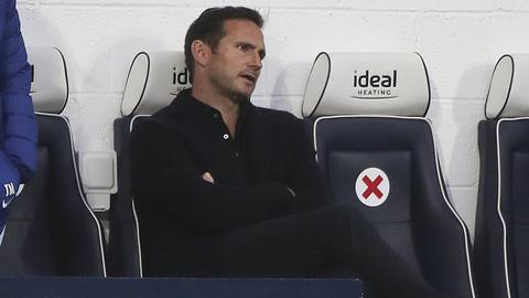 Fan Chelsea kêu gọi sa thải Lampard trong giờ nghỉ