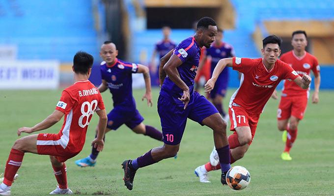 Trong khi đó, đối tác Pedro của anh cũng dính chấn thương, rời sân sớm ngay hiệp 1. Điều này ảnh hưởng rất nhiều đến sức mạnh của Sài Gòn