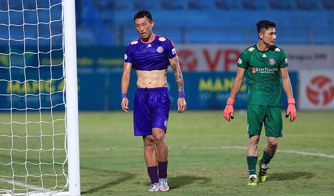 Sau 11 vòng bất bại, cuối cùng Sài Gòn FC cũng đã nếm mùi thất bại. Tuy vậy, họ vẫn tạm xếp đầu bảng sau vòng 12