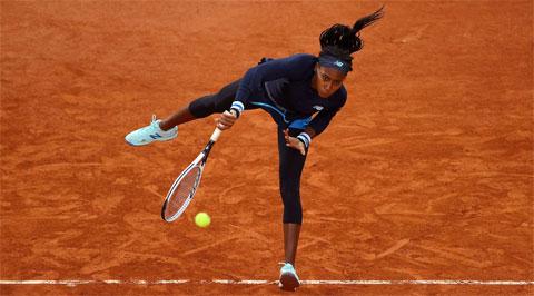 Coco Gauff có chiến thắng thứ tư trước đối thủ top 20 thế giới sau khi hạ Johanna Konta ở vòng đầu Roland Garros 2020