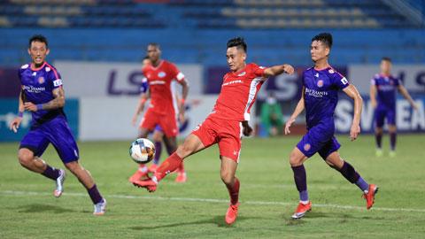 Minh Tuấn (trái) ghi bàn duy nhất cho Viettel để đánh bại Sài Gòn FC  Ảnh: ĐỨC CƯỜNG