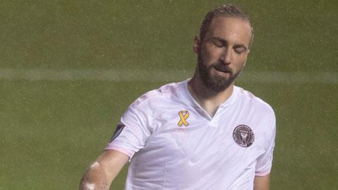 Higuain đá hỏng phạt đền ngay trận ra mắt đội bóng của Beckham