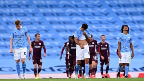 Gary Neville sớm chỉ ra nhà vô địch Ngoại hạng Anh 2020/21 sau khi Man City thất bại