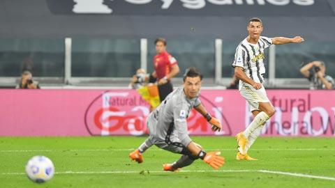 Pirlo lại để Ronaldo một mình 'gánh team'