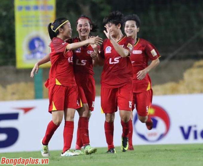 Sau đó, Than.KSVN chỉ có 1 bàn danh dự ở hiệp 2. Thắng 3-1 trước đội bóng khó chịu, TP.HCM toàn thắng 3 trận và dẫn đầu BXH giải nữ