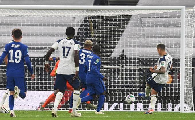 Lamela gỡ hòa cho Tottenham ở phút 84