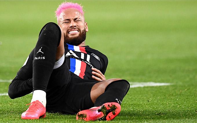 Neymar quá mẫn cảm với chấn thương
