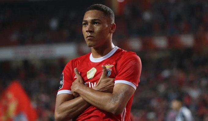 Tin chuyển nhượng 1/10: Douglas Costa không muốn đến Man United