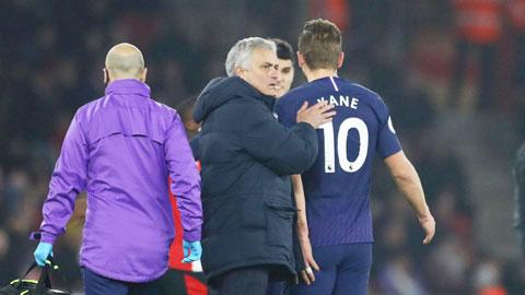 Carlos Vinicius sẽ giúp Mourinho có nhiều phương án giảm tải cho Kane