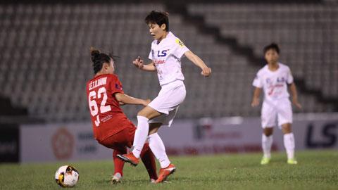 Hà Nội 1 Watabe (phải) đã sẵn sàng nhập trận và giành chiến thắngẢnh: Phan Tùng
