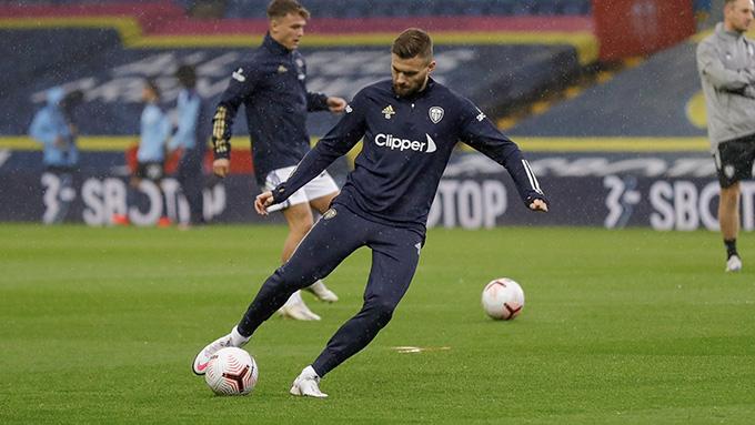 Trực tiếp Leeds United 0-0 Man City: De Bruyne dứt điểm trúng cột dọc