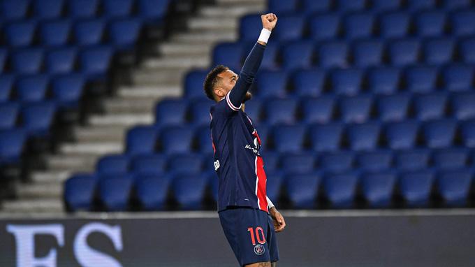 Neymar tỏa sáng với cú đúp bàn thắng và 1 đường kiến tạo