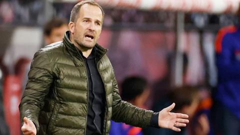 Schalke và màn ra mắt thảm hại của HLV Manuel Baum