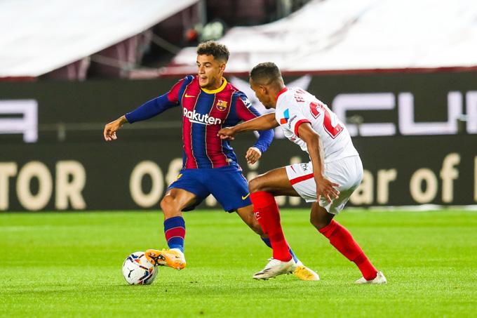 Coutinho tỏa sáng với bàn thắng ấn định tỷ số hòa