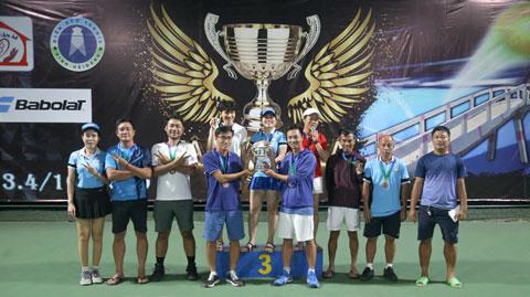 Trao giải đồng đội hạng Ba: Team Đam mê Tennis 3