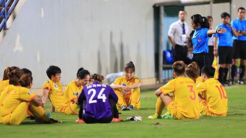 Phải đối quả 11m, Nữ Phong Phú Hà Nam bỏ không thi đấu