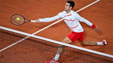 Djokovic nén đau vào bán kết Roland Garros lần thứ 10