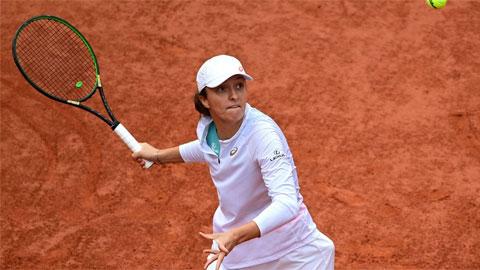 Iga Swiatek - tay vợt Ba Lan không xếp hạt giống, chưa thua một set nào trên đường vào chung kết đơn nữ Roland Garros 2020