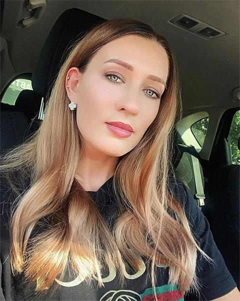 Yana Sizikova sở hữu gương mặt đẹp và body nóng bỏng