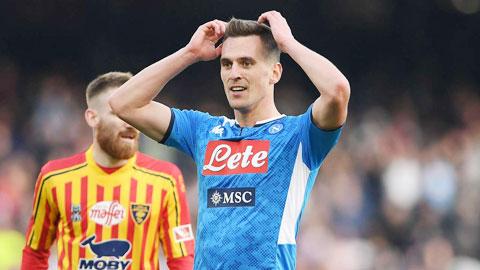 Napoli loại Milik khỏi đội hình