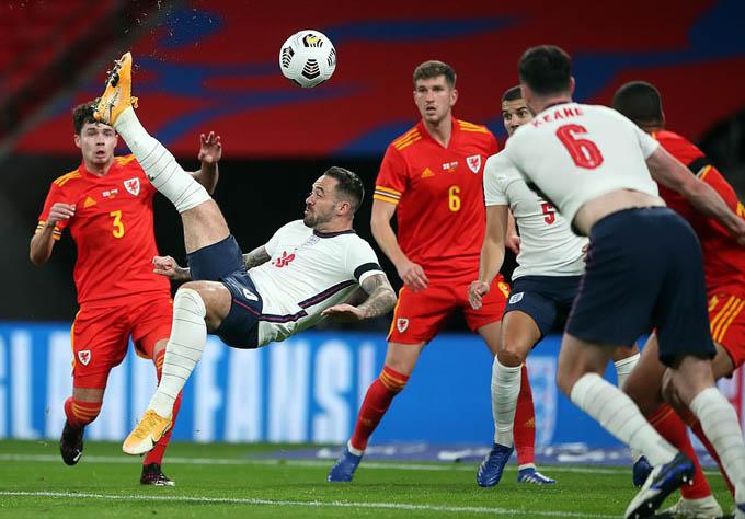 Ings là một trong ba cầu thủ Anh ghi bàn