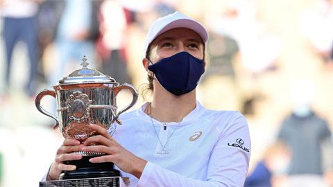 Tay vợt 19 tuổi Iga Swiatek vô địch Roland Garros 2020