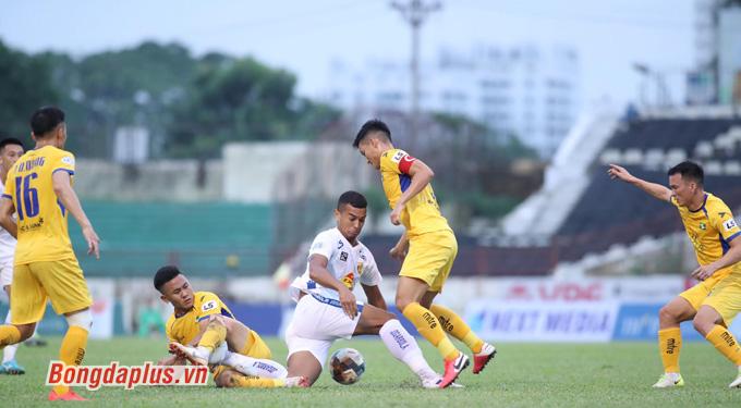 Tường thuật SLNA 4-1 Quảng Nam FC