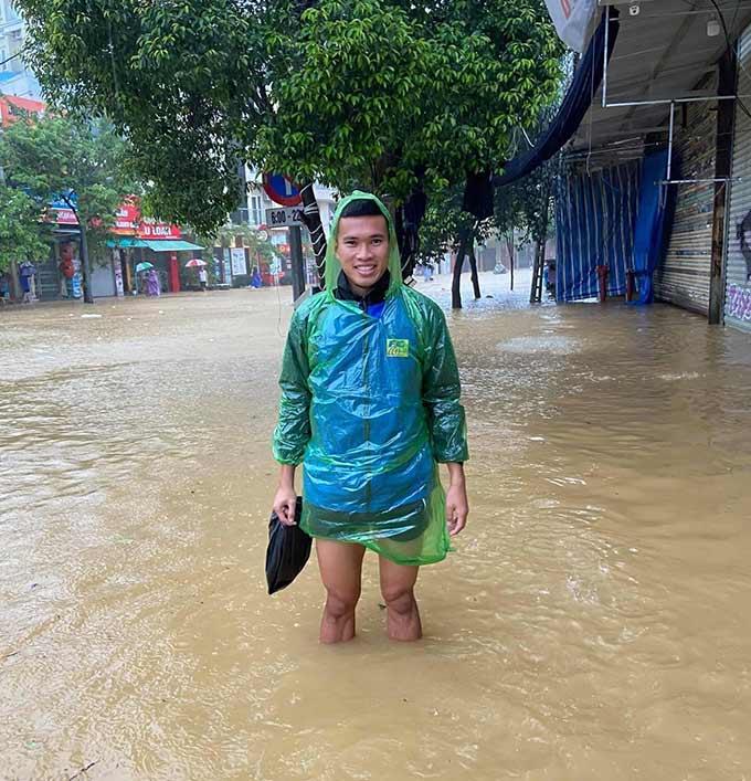 Những trận mưa lớn liên tiếp tại Huế trong vòng 1 tuần trở lại đây khiến đường phố ngập trong nước