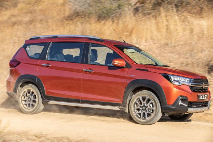Suzuki XL7 hoàn toàn mới tự tin tăng tốc trên mọi địa hình