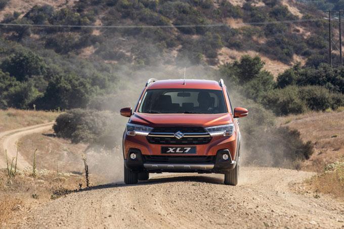 """Suzuki XL7 hoàn toàn mới - mẫu xe """"all in one"""" vừa tạo nên cơn sốt tại thị trường Việt Nam"""
