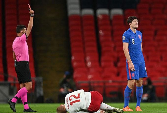 Maguire đã trải qua đêm ác mộng trước Đan Mạch