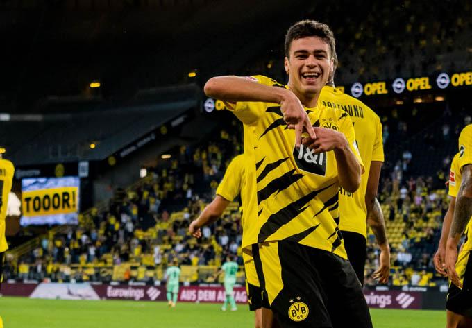 Reyna sẽ gắn bó lâu dài với Dortmund?