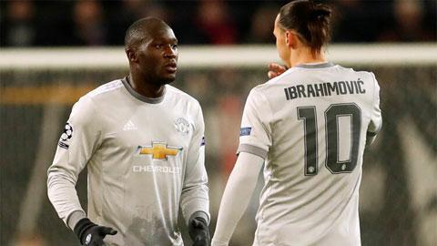 Lukaku (trái) và Ibra từng có 1 mùa chung màu áo M.U