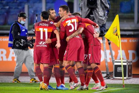"""Hơn hẳn về đẳng cấp, Roma sẽ """"thổi bay"""" tân binh Benevento"""
