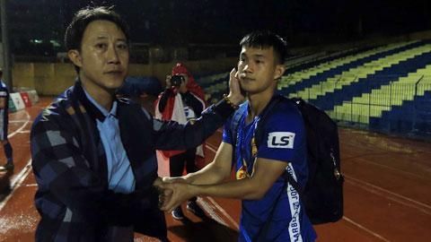 Khó khăn vẫn đang chờ thầy trò HLV Thành Công Ảnh: Minh Tuấn