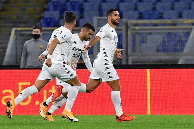 Caprari mở tỉ số cho đội khách