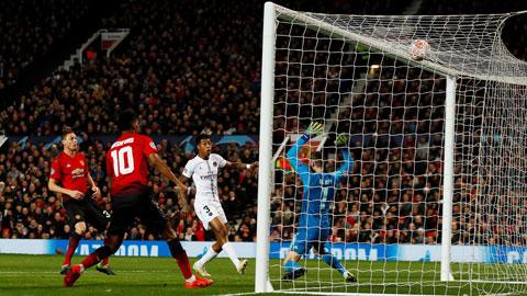 Điểm tựa sân nhà sẽ giúp PSG trả mối hận bị M.U loại khỏi vòng 1/8 Champions League 2018/19
