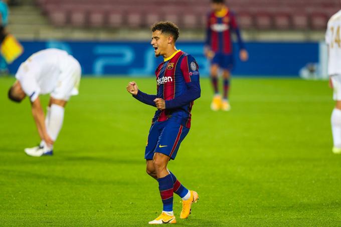 Coutinho ghi bàn thắng thứ 3 ở đầu hiệp 2