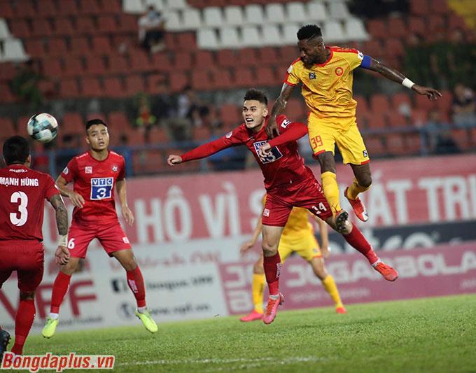 Tuy nhiên suýt chút nữa Thanh Hoá có được bàn thắng do công của Hoàng Vũ Samson