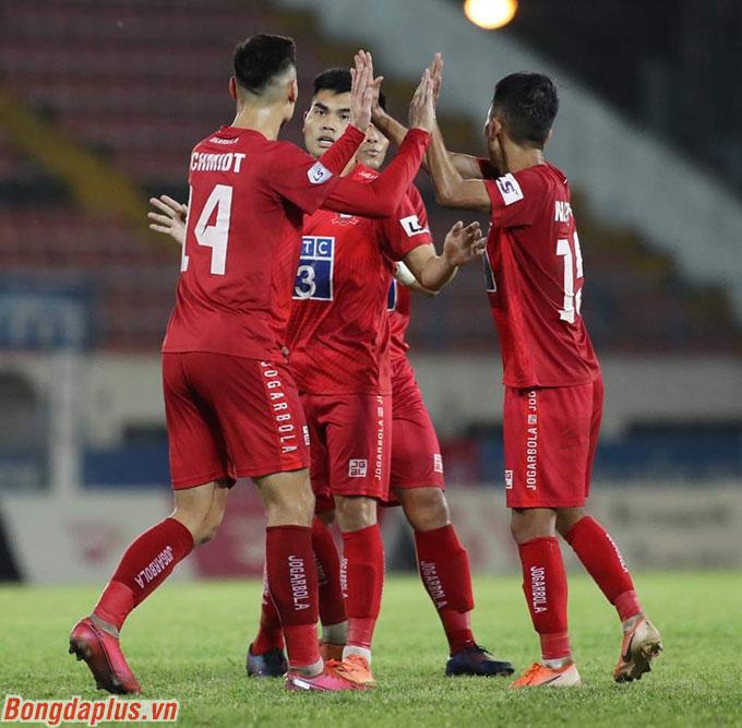 Hải Phòng sẽ trụ hạng nếu như thắng Nam Định ở trận đấu tại lượt kế tiếp. Ngay cả trong trường hợp hoà hoặc thua Nam Định, Hải Phòng vẫn còn quyền tự quyết nếu như không thua Quảng Nam ở lượt đấu cuối cùng