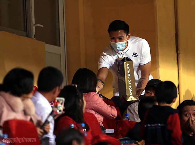 Chiến thắng này giúp Hà Nội FC mở rộng cơ hội bảo vệ ngôi vô địch. Tuy nhiên HLV Chu Đình Nghiêm vẫn tỏ ra thận trọng, đặc biệt trong bối cảnh Văn Hậu hay những trụ cột nơi hàng thủ chưa biết bao giờ mới trở lại.