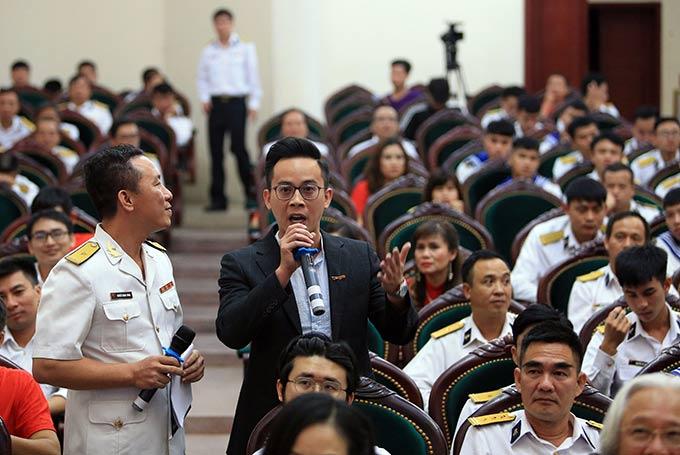 """Nhà báo Nguyễn Minh Việt của Tạp chí Bóng đá chia sẻ: """"Gần 100 người của tòa soạn Tạp chí Bóng đá đều có nhiệt huyết rất lớn với nghề. Và nhờ vậy, chúng tôi mới có một tòa soạn lớn mạnh như ngày hôm nay"""""""