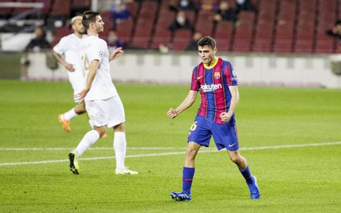 Ngôi sao mới 17 tuổi Pedri ăn mừng bàn thắng vào lưới Ferencvaros